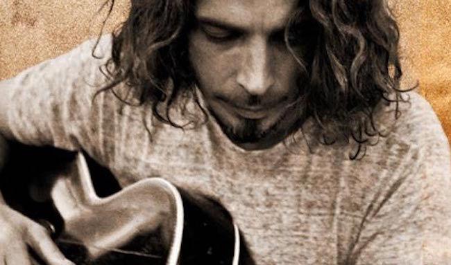 Väldigt spännande saker kan hända när Soundgarden-Chrisse greppar den akustiska gitarren. Det är värt att älska, uppmärksamma och komma ihåg.