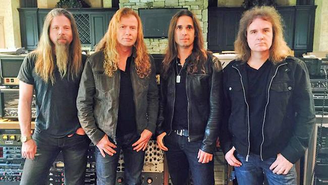 """Dave Mustaines med mannarna som spelade in """"Dystopia"""", Chris Adler (trummor), Kiko Loureiro (gitarr) och David Ellefson (bas)."""