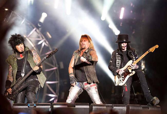 Mötley Crüe fick 2012 undertecknad att sucka besvärat och jämföra gruppen vid hårdrocksvärldens egen Facebookaktie… Foto: Rickard Nilsson