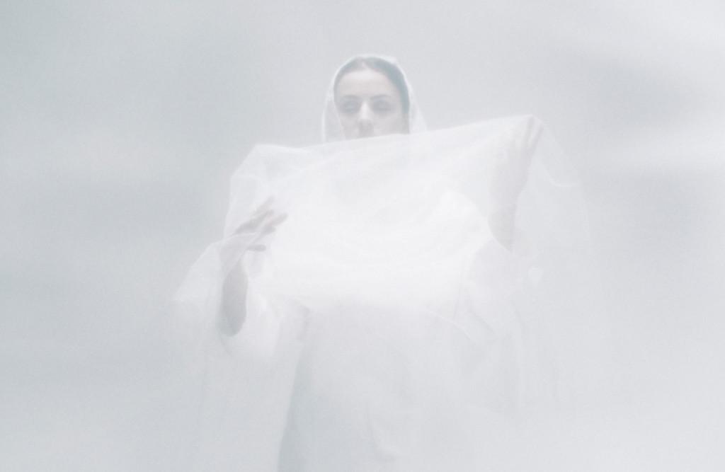 Adna trivs i en värld av musik och rök. Foto: Marcus Nyberg