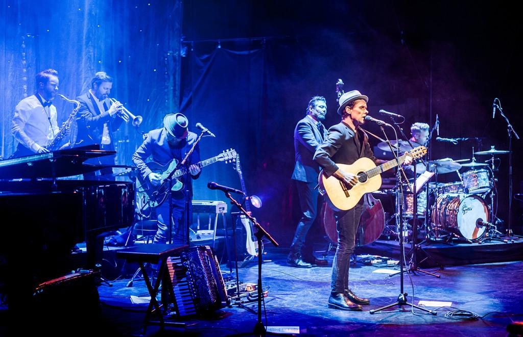 Bo Kaspers Orkester på Skandiascenen, Stockholm. Foto: Adrian Pehrson/Rockfoto