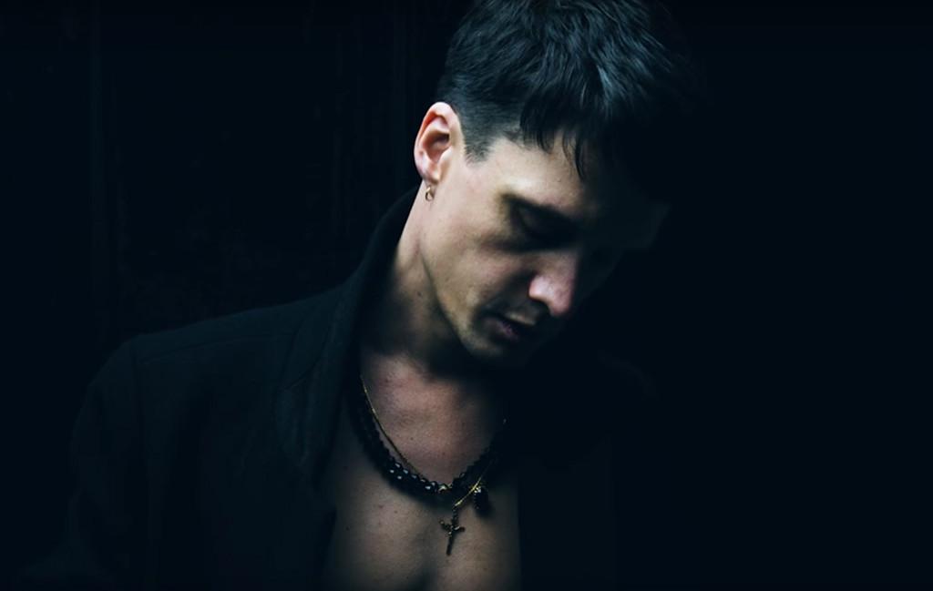 """Jonathan Johansson. Foto: Skärmdump ur videon till """"Tinning mot tinning""""."""