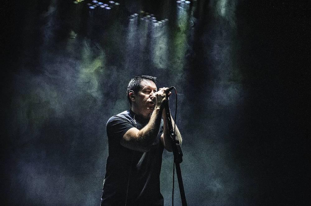 Trend var'e här! Vara en viss herr Reznor som ovan ses under konserten på Hovet i Stockholm i maj 2014. Läs mer om den här. Foto: Viktor Wallström