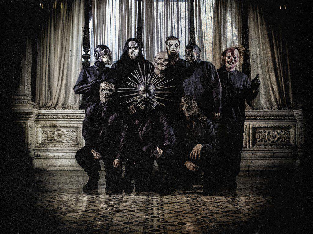Slipknot – med Thomson som tvåa från vänster i övre raden – är nu mer metal än någonsin. Foto: Pressbild