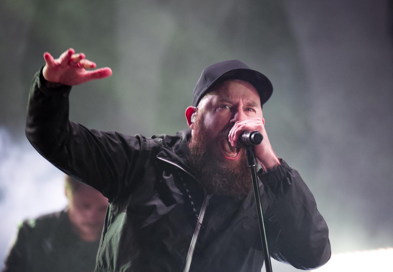 Anders Fridén och resten av In Flames bevisar att de klarar sig utan explosioner och smällare. Foto: Rickard Nilsson