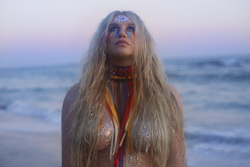 """""""Rainbow"""" är som bäst när Kesha ser allvaret i vitögat. Foto: Press"""