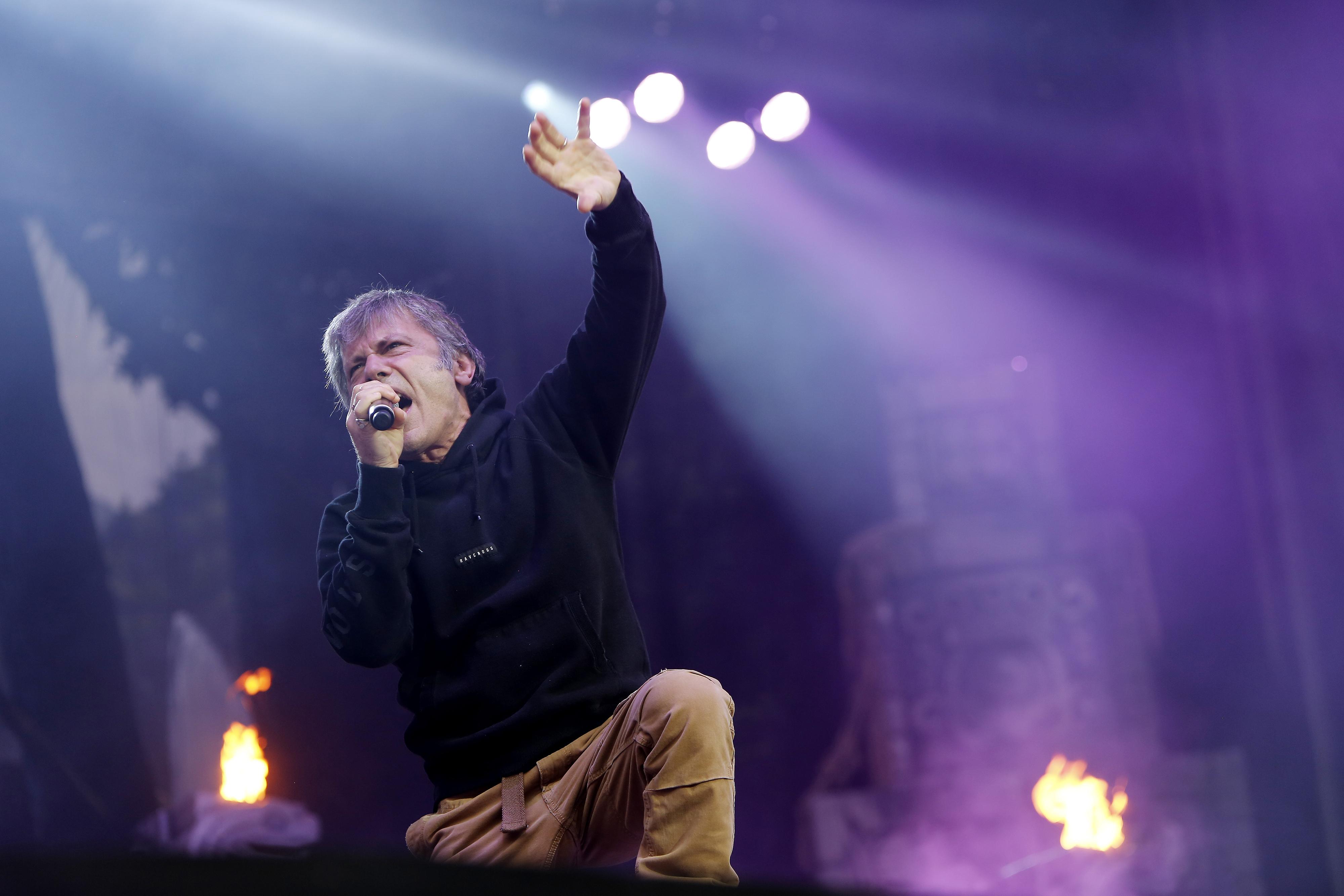 """Iron Maidens Bruce Dickinson under Ullevistoppet på bandets """"Book of souls""""-turné den 17 juni förra året. Denna vända har sextetten, vanan trogen, dokumenterat till en liveskiva/dvd och just denna kan ni höra ett smakprov från i spellistan här nedan. Foto: Henrik Brunnsgård"""