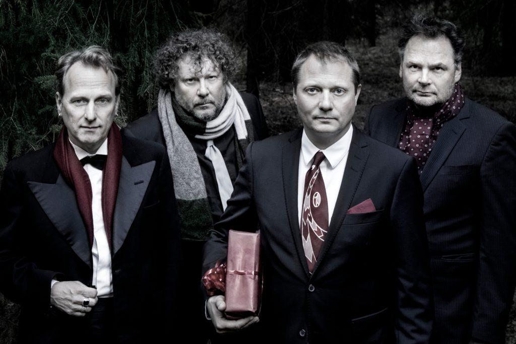Weeping Willows ger oss samarbeten med både Ane Brun och Moneybrother i julklapp. Foto: Maria Annas